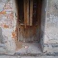 #ruiny #drzwi #kamienica #bielsko