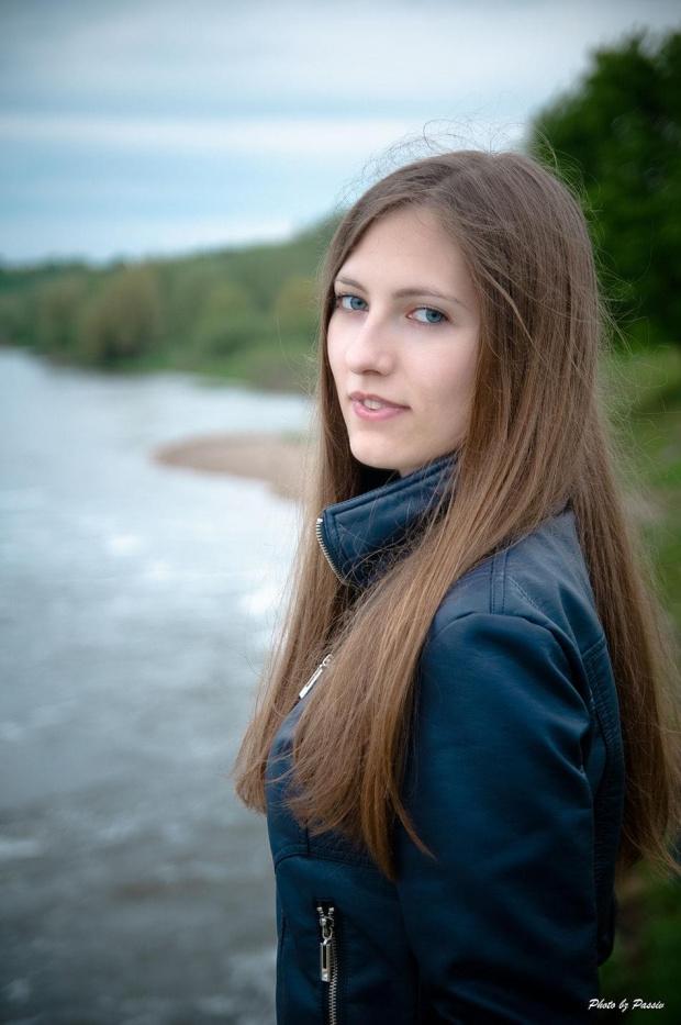 Kinga #Kobieta #szatynka #blondynka #portret #oława #las #woda #odra #passiv #airking
