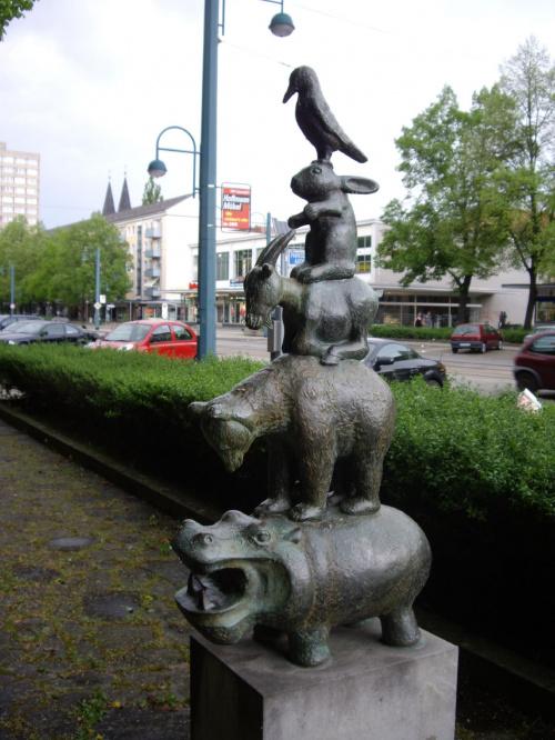 Piramida zwierząt we Frankfurcie n/O #FrankfurtNadOdrą