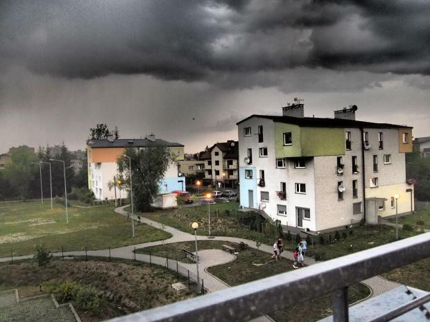 burza #blok #burza #chmury #deszcz #osiedle