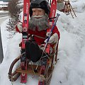 Gdy zawiodą renifery Św. Mikołaj jest przygotowany na wszystko :) #Karpacz #zima #mikołaj