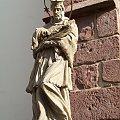 Św. Jan Nepomucen obok kościoła św. Jadwigi w Bolkowie #Bolków #Nepomucen